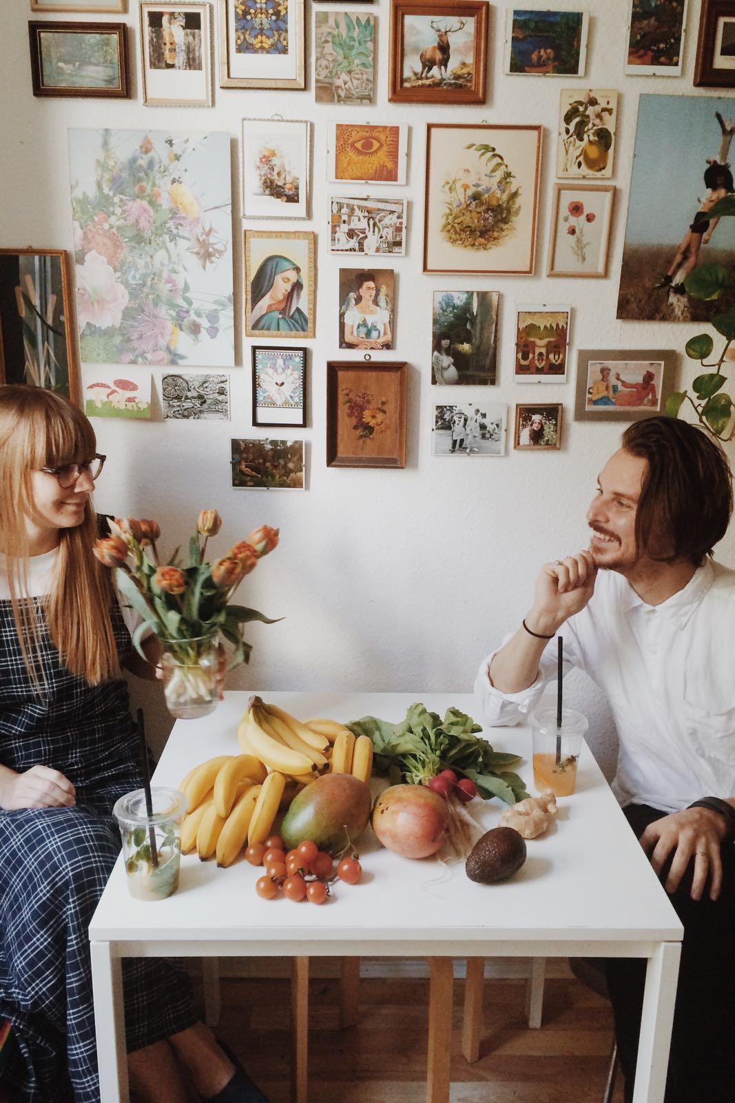 Das Paar in ihrer Küche