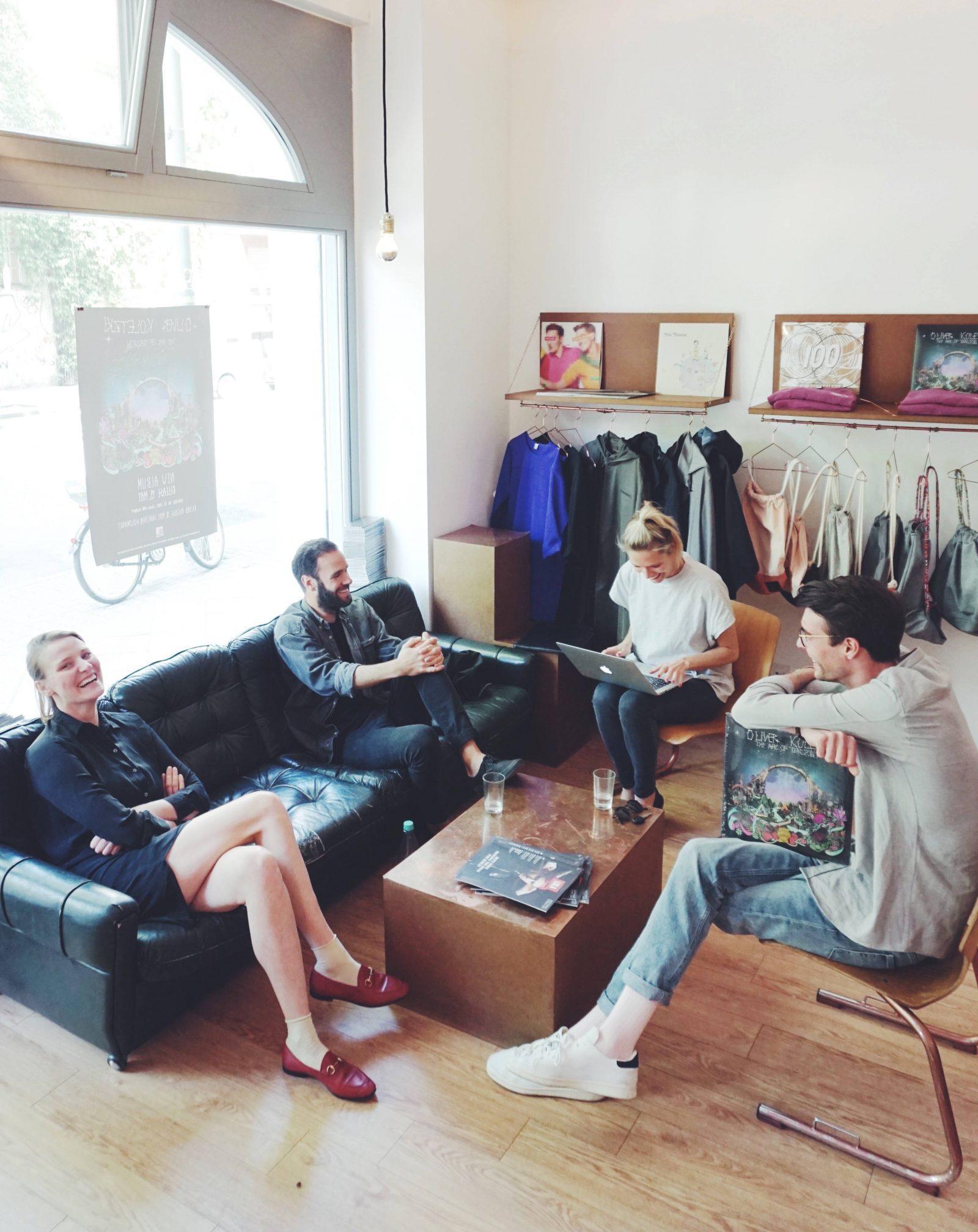 Das Team im Gespräch mit Dearwork