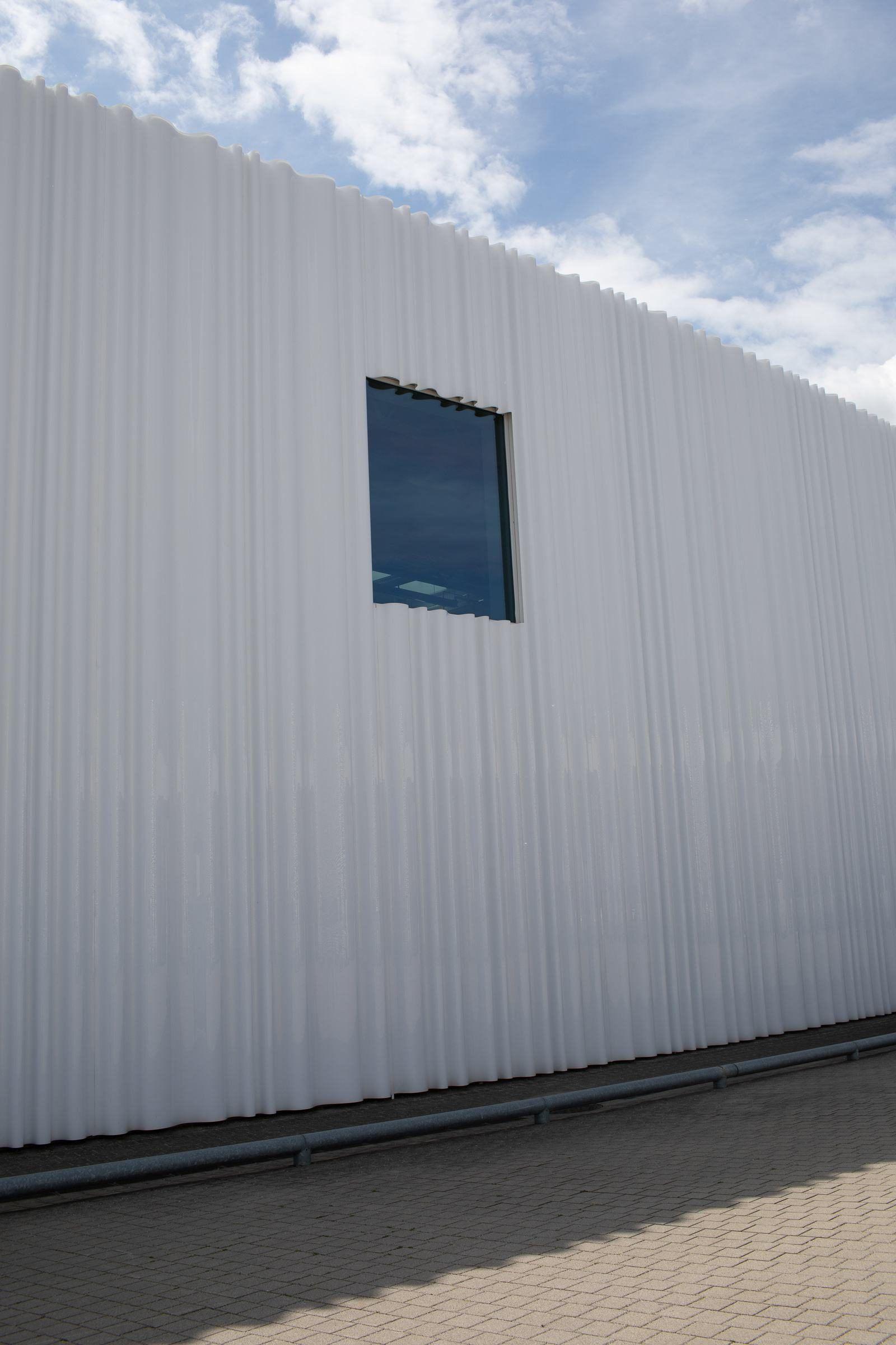 Fenster von SVitra Produktionshalle von Sanaa