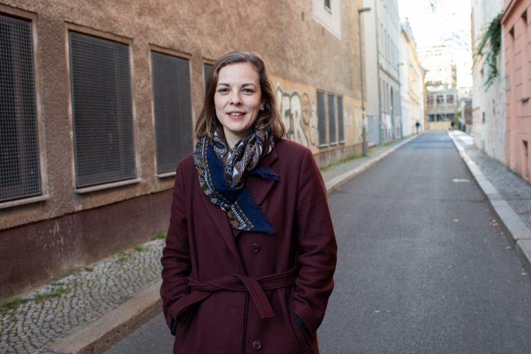 """""""Arbeit sollte Begegnungsort bleiben"""" – Laura-Kristine Krause der Organisation More in Common"""