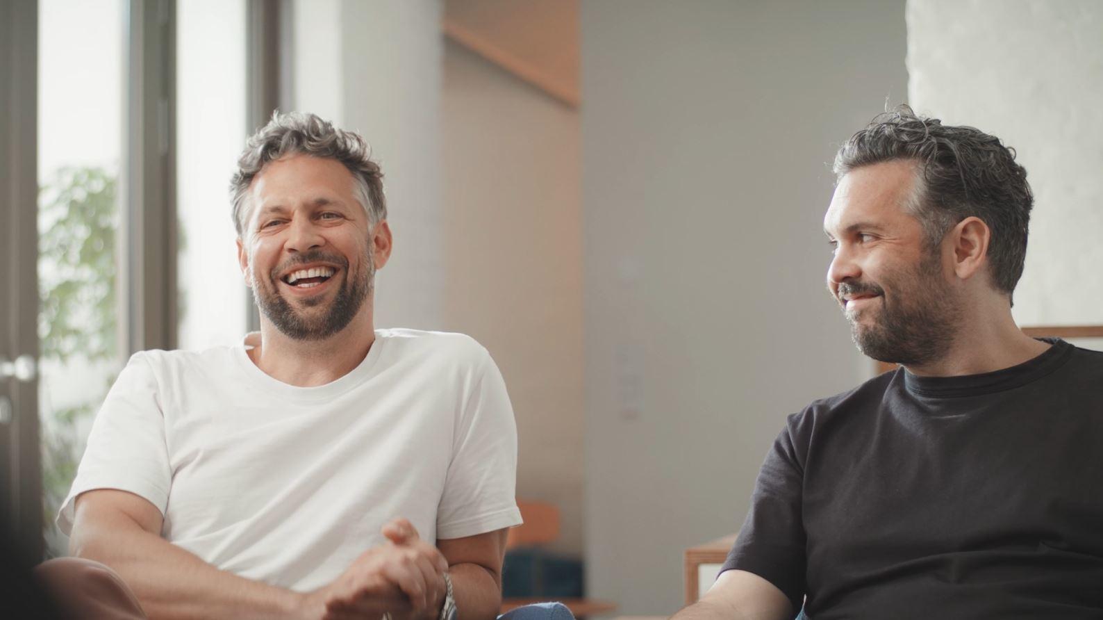"""""""Ohne cloudbasiertes Arbeiten würde es uns so gar nicht geben"""" – die Brüder Glatz über ihre Zusammenarbeit aus zwei Städten"""